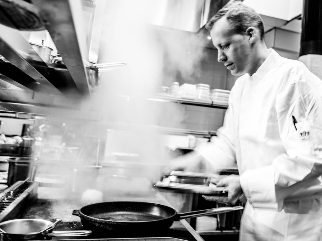 In de restaurants van Fort Resort Beemster heeft chefkok Paul de Graaf de leiding